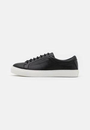 SPARTACUS - Trainers - black