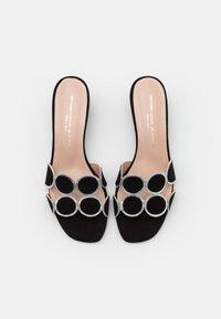 Brenda Zaro - ERICA NEW - Pantofle na podpatku - black - 5