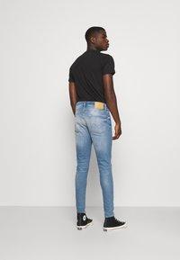 Jack & Jones - JJIPETE JJORIGINAL  - Jeans Tapered Fit - blue denim - 2