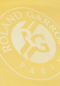 Lacoste Sport - Print T-shirt - gelb / weiß - 5