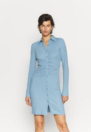 ONLHONEY DRESS - Vardagsklänning - faded denim