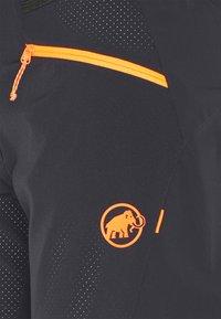 Mammut - SERTIG  - Pantaloncini sportivi - black/vibrant orange - 2