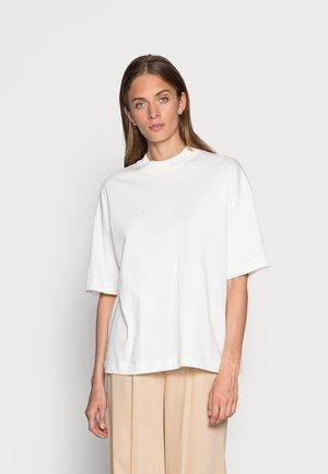 SLFRELAXCOLE  HIGH NECK TEE  - Basic T-shirt - egret
