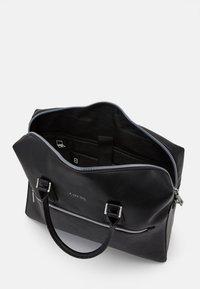 Guess - SCALA BRIEFCASE UNISEX - Briefcase - black - 3