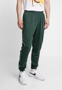 Nike Sportswear - SUIT BASIC - Tepláková souprava - galactic jade/white - 3