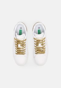 Benetton - TRIPLE GLIT - Sneakers basse - white/gold - 4