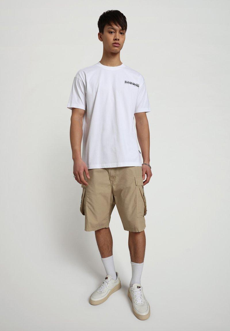 Napapijri - S-KEE - T-shirt z nadrukiem - bright white