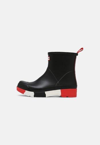 PLAY STRIPE SOLE BOOT SHORT - Wellies - black