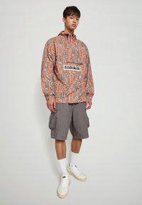 Napapijri - HANAKAPI - Shorts - grey gargoyle - 0