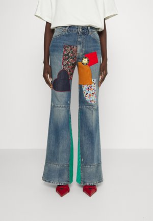 PATCHWORK FLARE - Relaxed fit jeans - vintage wash heavy