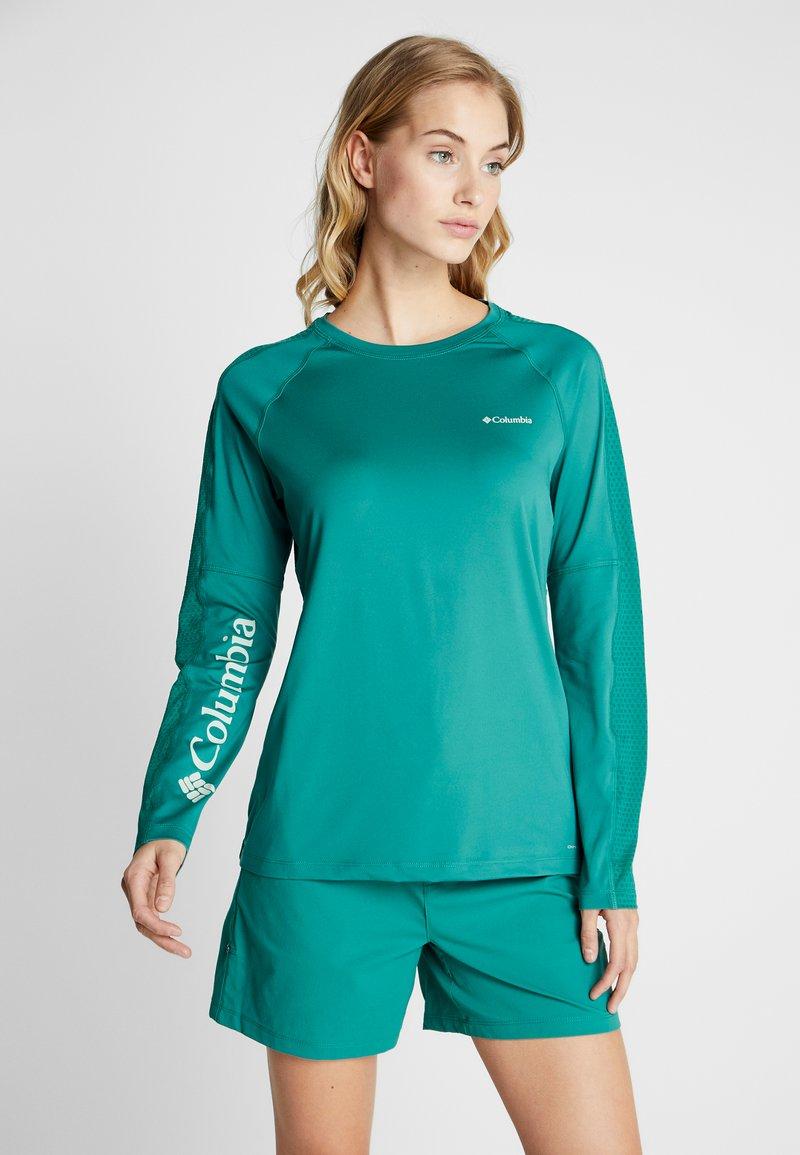 Columbia - WINDGATES™ TEE - Sports shirt - petrol