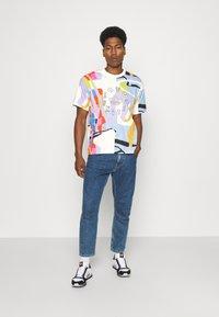 adidas Originals - LOVE UNITES UNISEX - T-shirt med print - multicolor - 1