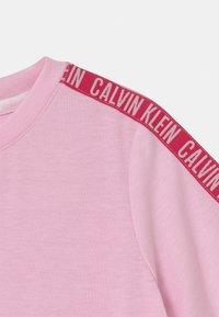 Calvin Klein Underwear - Nightie - romantic pink - 2