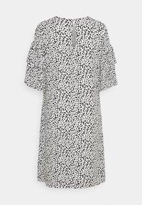 Selected Femme - SLFCARLA DRESS - Vapaa-ajan mekko - snow white - 7