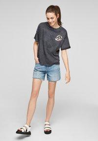 Q/S designed by - LOONEY TUNES - T-shirt print - black - 1