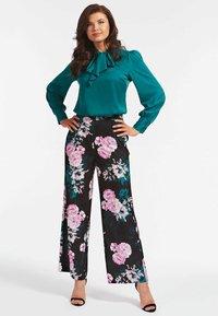 Guess - Trousers - fantaisie florale - 0
