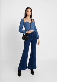 Missguided - SQUARE NECK ZIP CROP - Blouse - blue - 1