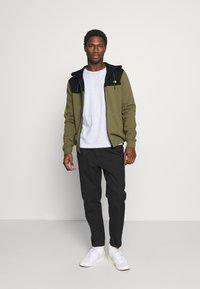 Pier One - Zip-up hoodie - olive - 1