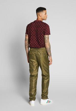 PALMER CARGO PANT - Pantalon cargo - sandalwood
