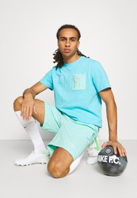 Nike Performance - FC BARCELONA SHORT - Club wear - tropical twist - 3