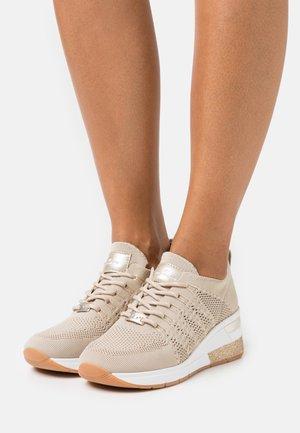 Tenisky - beige