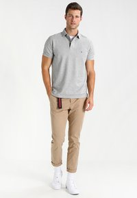 Tommy Hilfiger - PERFORMANCE REGULAR FIT - Polo shirt - cloud heather - 1