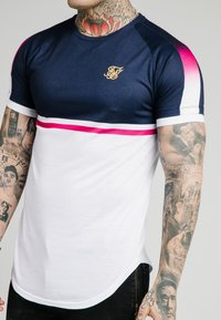 SIKSILK - FADE PANEL RETRO STRIPE TEE - Print T-shirt - grey/pink/white - 4