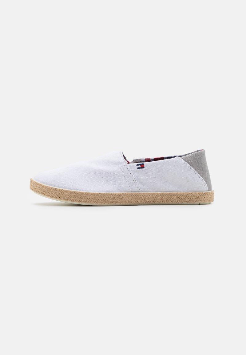 Tommy Hilfiger - EASY SUMMER SLIP ON - Espadryle - white