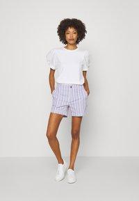 GAP - MIX PUFF - Basic T-shirt - white - 1