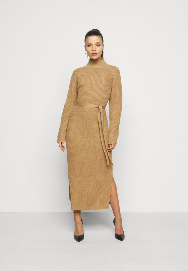 HIGH NECK BELTED DRESS - Shift dress - tan