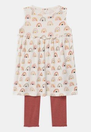 NBFDAOMI SPENCER SET - Leggings - Trousers - snow white