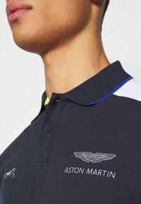 Hackett Aston Martin Racing - BLOCK PANEL - Polo shirt - navy/white - 6