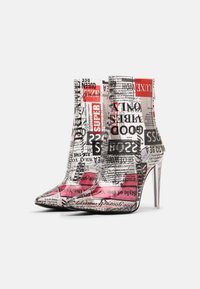 Steve Madden - VEIL - High heeled ankle boots - newspaper - 2