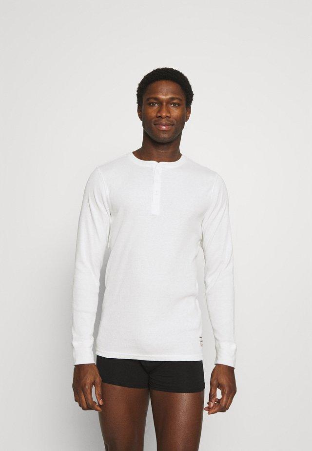 JACHENRIK HENLEY - Pyjamashirt - blanc de blanc