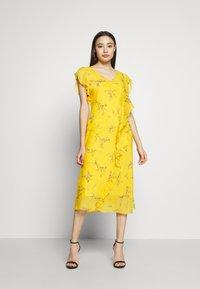 Lauren Ralph Lauren Petite - ENDINE CAP SLEEVE DAY DRESS - Day dress - true marigold/grey/multi - 0