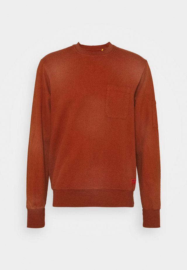 HEAVY WASHED POCKET - Sweatshirts - rust