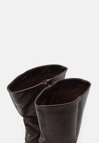 Steven New York - JOSIE - Vysoká obuv - dark brown - 5
