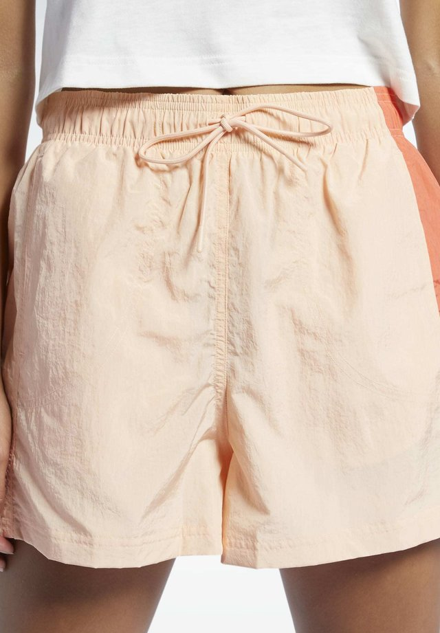 CLASSICS SHORTS - Shorts - orange