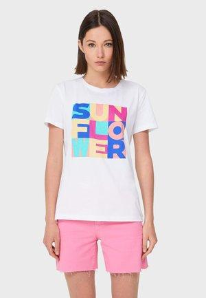 MIT PRINT - T-shirt con stampa - white