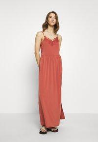 Vero Moda - VMDITTA SINGLET ANCLE DRESS - Maxi dress - marsala - 0