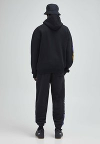 PULL&BEAR - Hættetrøjer - mottled dark grey - 1