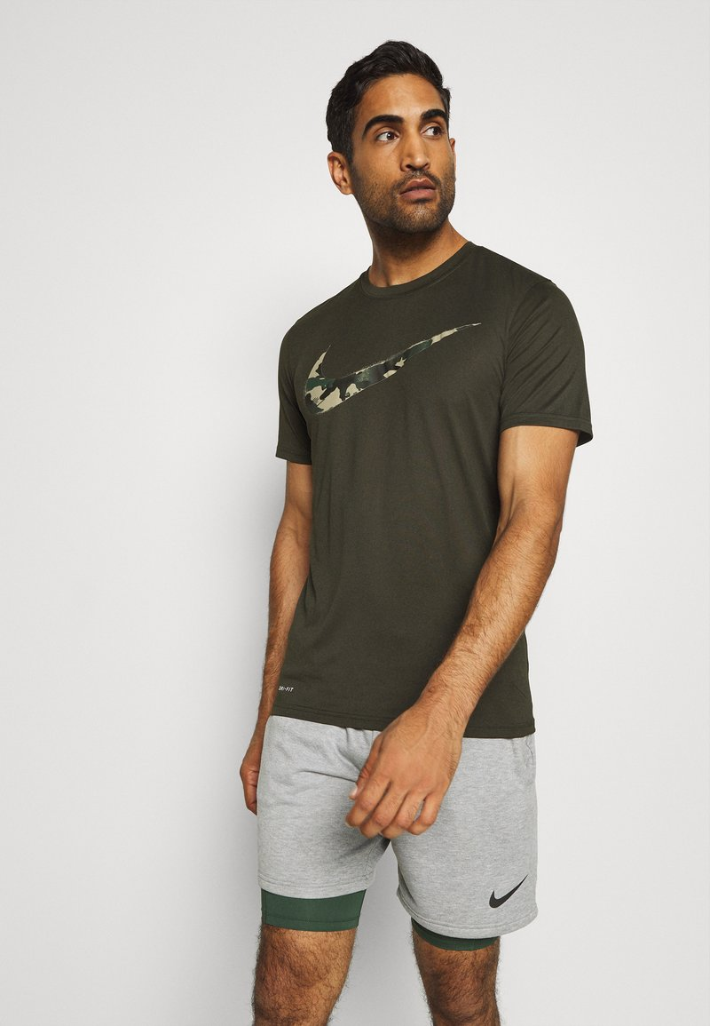 Nike Performance - DRY TEE CAMO - Print T-shirt - sequoia