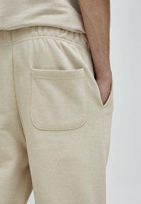 PULL&BEAR - Pantalon de survêtement - beige - 5