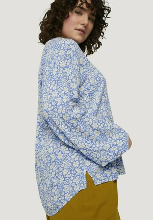 Blouse - blue flower paisley