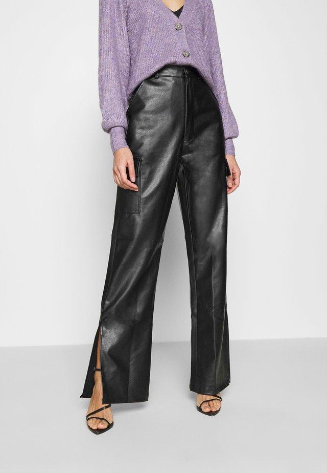 CARGO SIDE SPLIT LEG TROUSER - Pantaloni - black