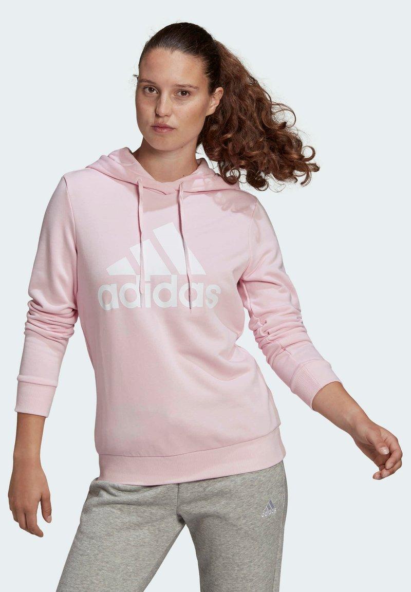 adidas Performance - ESSENTIALS RELAXED LOGO HOODIE - Felpa con cappuccio - pink