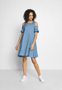 Molly Bracken - LADIES DRESS - Denní šaty - light denim - 1