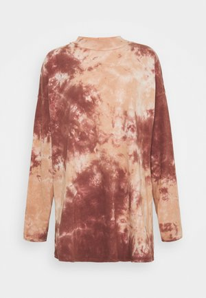 FREE TIE DYE TEE - Long sleeved top - cabernet combo
