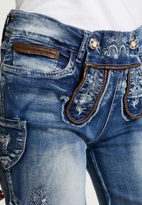Marjo - FRANZISKA BERMUDA - Shorts - blau - 3
