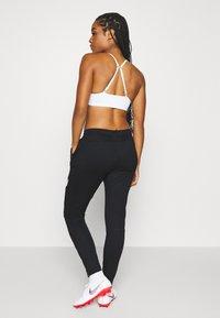 Nike Performance - DRY ACADEMY PANT - Joggebukse - black/white/hyper pink - 2